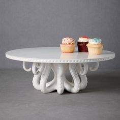 Something that combines my love of octopi and cake?! I so need this!