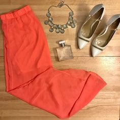 ⭐️price drop⭐️Express Hi-Lo skirt perfect hi low skirt! fun bright color. great condition Express Skirts High Low