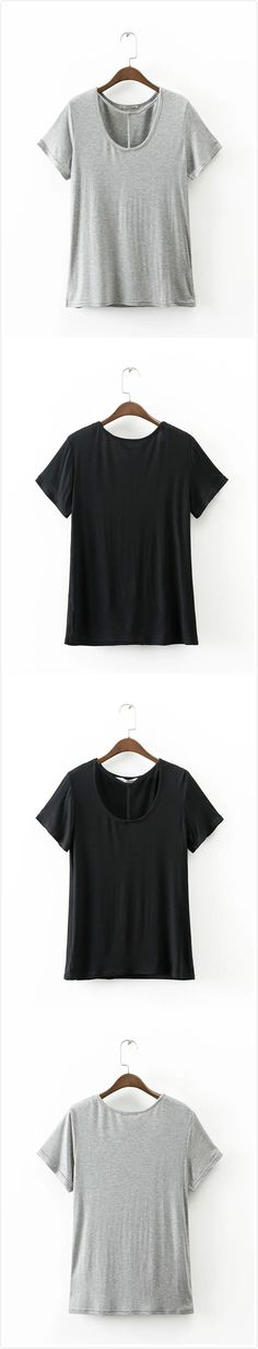 Tee is a summer fashion essential. It is well design with eyelash and lip graphic. Come to OASAP.COM to buy it.