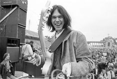 NEIL YOUNG (1945 - ) :: He of the transcendently whiny, piercing voice.