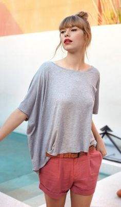 Salmon colored shorts and a loose gray tee //relaxed Memorial Day look
