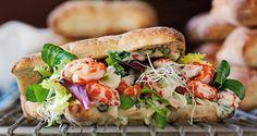 Lav en lækker sandwich med krebsehaler og sweet chili-mayonnaise