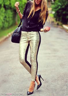 Black and gold. Always a classy combination.