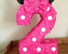 This time I want to share with you some ideas for fashionable children's parties that can inspire you to decorate and organize birthday parties for Minnie Mouse Pinata, Minie Mouse Party, Minnie Mouse Theme, Minnie Birthday, Diy Birthday, 2nd Birthday Parties, Birthday Pinata, Mouse Parties, Childrens Party