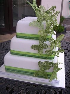 Gorgeous butterfly themed Wedding cake