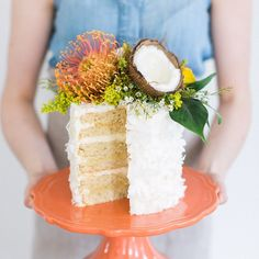 Have you seen our tropical May cake on @theschoolofstyling's blog yet?  It's a triple coconut cake with fresh mango filling and exotic blooms.  Check it out! -- Photo by @rutheileenphoto Floral by @ladies_of_foret -- #heritageorganiccakes #TSOSInspiration #organiccakes #organicbakery #cake #coconut #mango #tropical by heritageorganiccakes