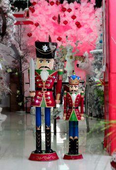 Llego la navidad a MARKO REGALOS no esperes para decorar tu hogar... Estamos ubicados en la Carrera 35a # 52 - 109 Cabecera - Bucaramanga. Teléfonos: 6432243 - 6571857 WhatsApp: 315 800 0686 - 315 783 9904. Visita nuestra Tienda en Línea: www.markoregalos.com