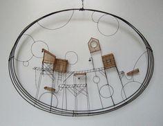 Fil de Fer & tarlatane teintée love this idea Atelier Theme, Sculptures Sur Fil, Stylo 3d, Wire Art Sculpture, Home Decoracion, Drawn Art, Mobiles, Art Du Fil, Muse Art
