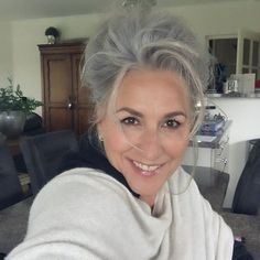 Gray Wig Lace Frontal Wigs shampoo to brighten gray hair – vooklly Natural Hair Growth, Natural Hair Styles, Silver Haired Beauties, Shampoo For Gray Hair, Silver Grey Hair, White Hair, Marley Hair, Peinados Pin Up, Grey Wig