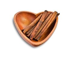 Basit Bir Yöntemle Tırnak Mantarından Kurtulun — Bilgi Doktoru Cinnamon Oil, Aromatherapy Oils, Homemade Beauty, Natural Medicine, 30, Healthy Lifestyle, Masks, Healthy Living, Natural Home Remedies