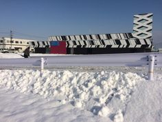 雪がつもりベガスも埋もれてしまいそうです!  #vegas1200