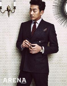하정우 말끔한 수트 차림으로 섹시美 발산 #topstarnews Asian Actors, Korean Actors, Men's Tuxedo Styles, Jung Woo, Male Poses, Gentleman Style, Mens Suits, Actors & Actresses, Sexy Men