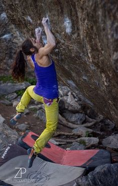 Alex Puccio Sends Freaks of the Industry (V13) #climbergirl