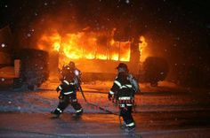 FEATURED POST   @doug231 -  #tbt December 2008. Winthrop MA working fire during a Nor-Easter snowstorm. On arrival picture first line being stretched. .  ___Want to be featured? _____ Use #chiefmiller in your post ... http://ift.tt/2aftxS9 . CHECK OUT! Facebook- chiefmiller1 Periscope -chief_miller Tumblr- chief-miller Twitter - chief_miller YouTube- chief miller .  #firetruck #firedepartment #fireman #firefighters #ems #kcco  #brotherhood #firefighting #paramedic #firehouse #rescue…