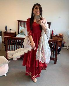 Punjabi Suits Designer Boutique, Pakistani Designer Suits, Pakistani Dress Design, Indian Fashion Dresses, Indian Gowns Dresses, Dress Indian Style, Patiala Suit Designs, Kurti Designs Party Wear, Latest Suit Design