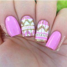 Pink, white and gold glitter tribal mani Love Nails, Pretty Nails, My Nails, Pink Nails, Nail Art Pen, Glitter Nail Art, Gold Glitter, Professional Nail Designs, Tribal Nails