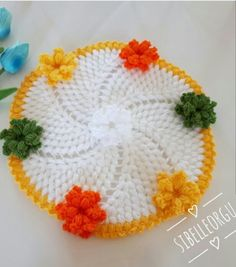 This Pin was discovered by Zah Crochet Designs, Crochet Patterns, Mantel Redondo, Woolen Craft, Rainbow Crochet, Hot Pads, Doilies, Diy And Crafts, Crochet Hats