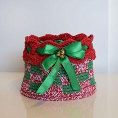 Inspiração natalina passando por aqui!🎄🎅❤️EuroRoma Fantasia e EuroRoma Brilho combinados ficaram lindos!😍 #artecomeuroroma #artesanato #croche #crochet #crochetandocomeuroroma #eurofios #euroroma #nataleuroroma #euroromabrilho #euroromafantasia