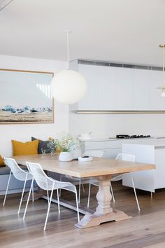 A Cozy Aussie Cottage Hides a Sleek Renovation Behind a Heritage Facade #dwell #australianhomes #homerenovations #cottage #diningrooms Interior Walls, Modern Interior, Interior Design, Weatherboard House, Built In Bench, Dining Nook, Australian Homes, Open Plan Kitchen, Facade