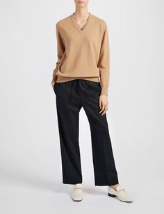 Cashmere 12gg V Neck Sweater alternative image
