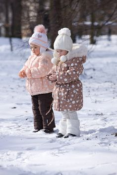 www.pilguni.com Winter Kids, Fall Winter, Snow, Boots, Fashion, Shearling Boots, La Mode, Heeled Boots, Fashion Illustrations