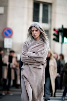 Leave it to Sarah Harris to don herself in a luscious shearling coat in a dreamy shade between mauve and gray. So beautiful.