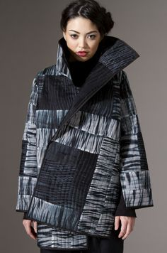 Amy Nguyen Textiles - textil.  Influenciada por el arte textil japonés.
