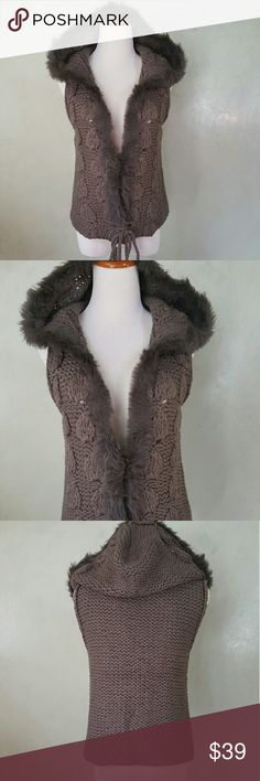 *HOST PICK* Grey knitted vest Grey knitted vest with a faux fur hood. The bottom of the vest does not open and it has a clasp to close the middle. Chupchick Jackets & Coats Vests