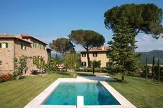 Villa Laura is a Wedding Venue in Campaccio, Toscana, Italy. See photos and contact Villa Laura for a tour. Villa Toscana, Under The Tuscan Sun, Jacuzzi, Italian Villa, Beautiful Villas, Beautiful Places, Tuscany Italy, Tuscany Homes, Tuscan Style