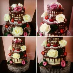 Naked cake, natural flowers, wedding