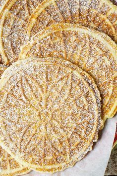 There is NOTHING,in the world as good as eating warm Pizzelle on Christmas morning! Just think of it as a fancy waffle. The Classic Pizzelle Recipe Cookie Desserts, Easy Desserts, Cookie Recipes, Delicious Desserts, Dessert Recipes, Italian Cookies, Italian Desserts, Italian Recipes, Italian Foods
