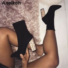 Black Round Toe Chunky Sequin Fashion Ankle Boots Schwarze runde Kappe klobige Pailletten Mode Stiefeletten This image has get Platform High Heels, High Heel Boots, Heeled Boots, Shoe Boots, Boots With Heels, Black Boots, Heels With Thick Heel, Heeled Sandals, Ankle Boot Outfits