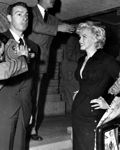 Marilyn and Joe in Japan in February 1954.   marilyn