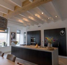 Kitchen Living, Kitchen Decor, Ceiling Design, Minimalist Home, Beautiful Interiors, Interior Inspiration, Home Kitchens, Sweet Home, New Homes
