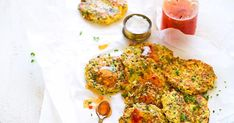 Broccoli and haloumi pair magically in these quick and easy fritters. Try serving with crispy bacon and a poached egg for a low-carb breakfast. Potluck Recipes, My Recipes, Diet Recipes, Favorite Recipes, Blueberry Breakfast, Low Carb Breakfast, Lamb Burgers, Crispy Fried Chicken, Sweet Chilli Sauce