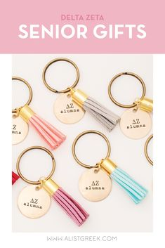 Celebrate your Delta Zeta Grad with these trendy custom keychains! Delta Zeta Grad Gift | DZ Sorority Grad Keychain | College Graduation Gift Idea | Grad Gift for Her | Grad Gift for Girlfriend | Grad Gift for Daughter | Grad Gifts for Best Friends | Best Grad Quotes | Graduation Tassel Keychains #HappyGraduation #SororityGrad Phi Sigma Sigma, Alpha Xi Delta, Kappa Delta, Tri Delta, Phi Mu, Sorority Graduation, Graduation Tassel, College Sorority, Senior Gifts