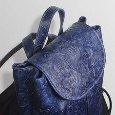 Flora Tooled Drawstring Bucket Style Leather Backpack Womens Bag P – iLeatherhandbag Leather Notebook, Leather Books, Leather Journal, Backpack Bags, Leather Backpack, Fashion Backpack, Handmade Bags, Handmade Bracelets, Custom Leather