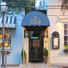 82 Queen, Charleston SC. Eat here whenever I'm in town.