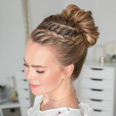 How to Braid: 50 Actually Cool (We Swear) Braid Tutorials for Beginners in 2020 🎀 🎥 <br> Curly Hair Styles, Natural Hair Styles, Hair Braiding Styles, Hair Upstyles, Easy Hairstyles For Long Hair, Hairstyle Ideas, Prom Hairstyles, Church Hairstyles, Halloween Hairstyles