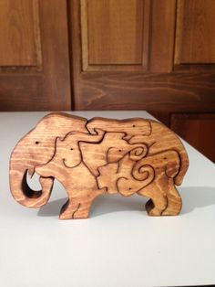 Wooden Elephant Legion Scroll Saw Puzzle - Handmade Pieces - Stained Woodworking Courses, Best Woodworking Tools, Woodworking School, Woodworking Projects, Scroll Saw Patterns, Wood Patterns, 3d Puzzel, Fret Saw, Wooden Elephant