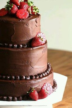 Simple, yet so pretty #chocolate #cake