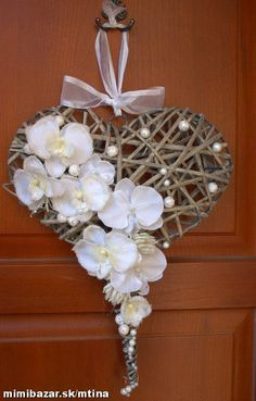 Made from recycle papers Decoration Evenementielle, Heart Decorations, Valentine Decorations, Christmas Decorations, Easter Wreaths, Christmas Wreaths, Christmas Crafts, Christmas Ornaments, Deco Floral