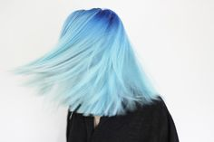 Image discovered by mrs. Find images and videos about hair, blue and blue hair on We Heart It - the app to get lost in what you love. Ombré Hair, Dye My Hair, Girl Hair, Chin Hair, Blonde Hair, Nagel Blog, Coloured Hair, Rainbow Hair, Crazy Hair
