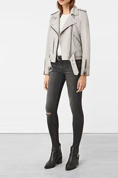 We rounded up the best leather jackets to shop for every budget and personal style this fall. Uni Outfits, Blazer Outfits For Women, Stylish Outfits, Fall Outfits, Summer Outfits, Best Leather Jackets, Grey Leather Jacket, Leather Jacket Outfits, White Leather