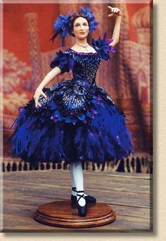 Doll Museum, Dancing Dolls, Kinds Of Dance, Ballerina Doll, Fantasy Gowns, Barbie Dress, Barbie Gowns, Doll Costume, Barbie Collector