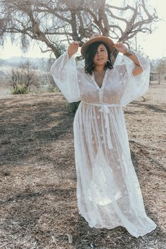 Bianca Karina in Zelie for She plus size Summer Dreams bohemian chic lace dress. plus size fashion Plus Size Boho Chic: Zelie for She Summer Dreams dress; Boho Plus Size, Looks Plus Size, Festival Mode, Festival Fashion, Coachella Festival, Look Fashion, Diy Fashion, Ideias Fashion, Hippie Fashion