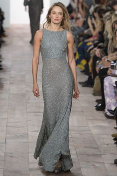 Michael Kors Collection Fall 2015 Ready-to-Wear Fashion Show - Karmen  Pedaru Michael ffbd5c731f8
