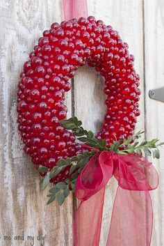 Everlasting cranberry wreath - super pretty! red beads, straight pins, styrofoam wreath