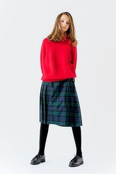 ゆるっとしたオーバーサイズコーデ♪赤コーデ♡スタイル・ファッションの参考に♪