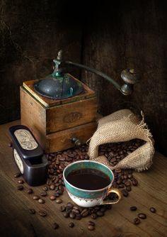 Coffee mill by Mikel Arrizabalaga ... #Coffee #Barista #CoffeeArt #BaristaArt #Cafe #Cappuccino #Espresso